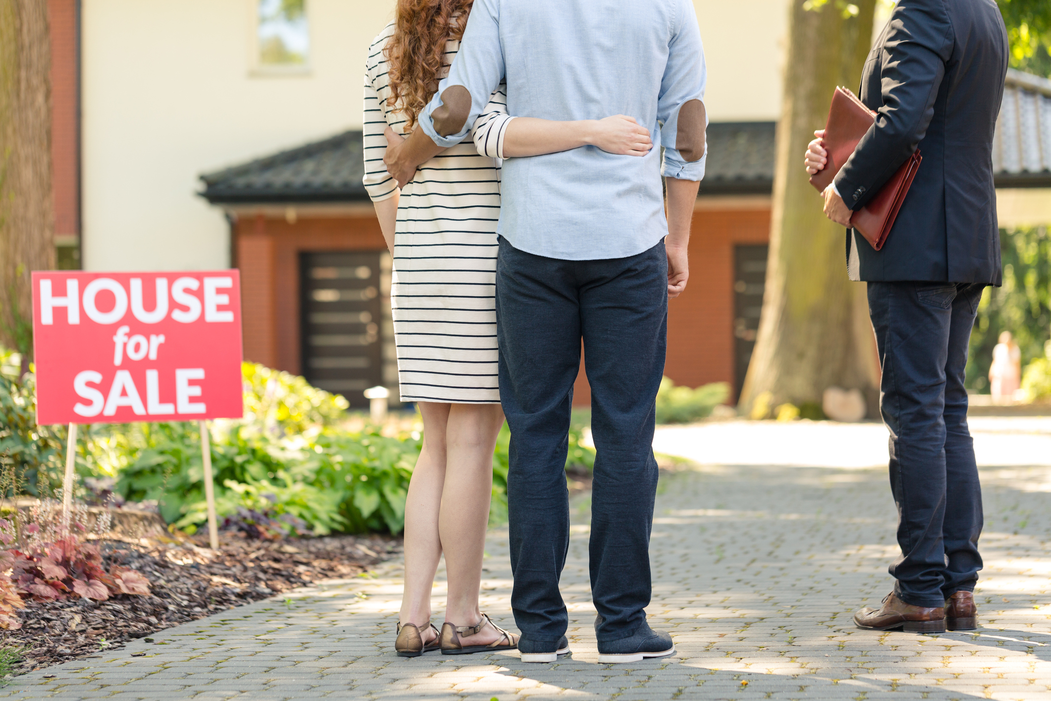 Real Estate License Checklist: What to Do Before Applying